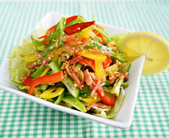 赤・黄・緑・カラフルなピーマンで彩りばっちりサラダレシピ♪のサムネイル画像
