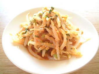 ダイエットにも!モリモリ食べられるもやしとキャベツの節約レシピのサムネイル画像