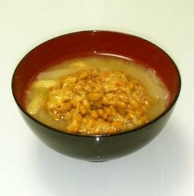 とろ~り食感がたまらない♪おいしい納豆のお味噌汁の作り方3選のサムネイル画像