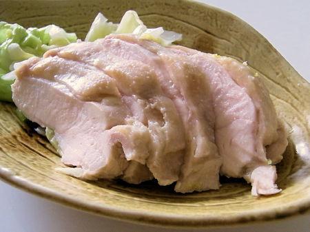 ダイエット中でもお肉が食べたい時に!鶏肉の低カロリーレシピ5選のサムネイル画像