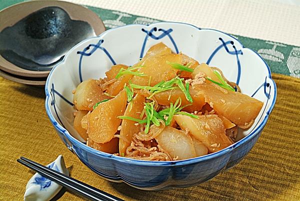 旨味がぎゅっと染み込んだ大根とこんにゃくを使った料理レシピのサムネイル画像
