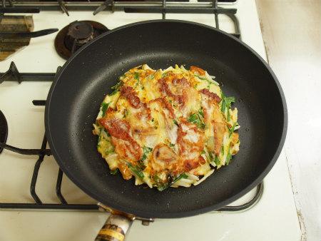 コスパ最強!簡単でおいしいもやしのお好み焼きのレシピまとめのサムネイル画像