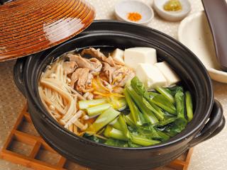 小松菜には栄養たっぷり!小松菜の鍋の絶品人気レシピ特集!のサムネイル画像
