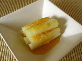 とっても簡単!うどの下処理方法と、酢味噌レシピを紹介致します♪のサムネイル画像