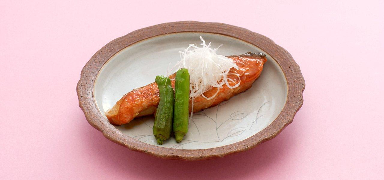 鮭は照り焼きにしても美味しい! 鮭の照り焼きの絶品レシピ集のサムネイル画像