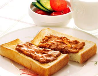 朝食にもおすすめ!いつもと一味違うトーストアレンジレシピ5選のサムネイル画像