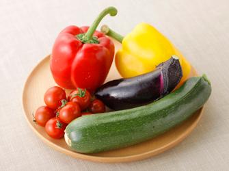 暑い夏を乗り切ろう!栄養たっぷりの夏野菜のおかずレシピ集のサムネイル画像