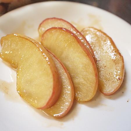 甘酸っぱさが癖になる!焼きリンゴを使ったおすすめレシピ5選!のサムネイル画像