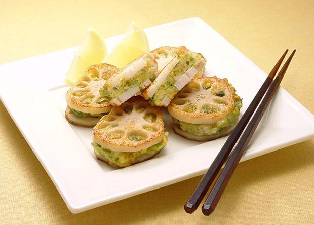 しゃきしゃき食感が絶品!絶対美味しいれんこんの人気レシピ特集!のサムネイル画像