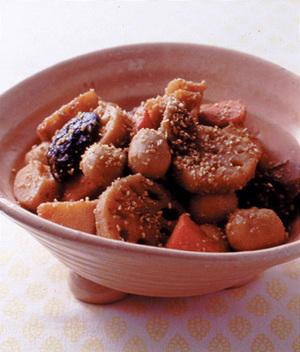 栄養満点で人気の筑前煮!豊富なレシピから5つを選んでご紹介。のサムネイル画像