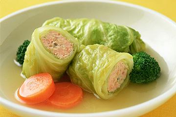 溢れ出る肉汁を優しく包んで♡ロールキャベツの人気レシピ5選のサムネイル画像
