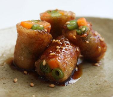 安いけどコラーゲンがたっぷり!鶏皮で作る簡単おつまみレシピ集のサムネイル画像