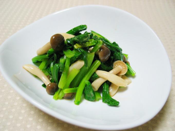 小松菜は栄養満点!そんな小松菜の簡単に作れる人気のレシピ5選のサムネイル画像