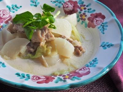 ダイエットや美肌に嬉しい効果!ココナツオイルを使うスープレシピのサムネイル画像