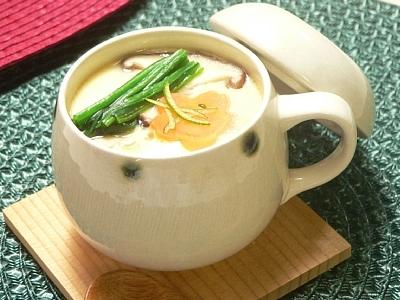 電子レンジで美味しく簡単に作る茶碗蒸しの作り方をご紹介します!のサムネイル画像