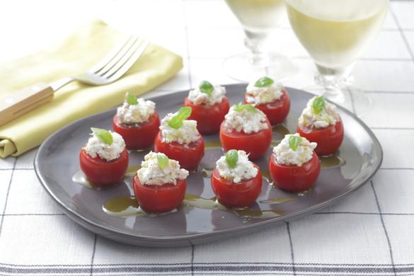 最強の黄金コンビ!絶大な人気を誇るトマトとチーズのおすすめレシピのサムネイル画像