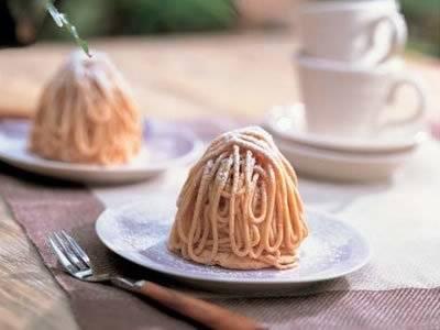 自宅がケーキ屋さんに!?本格モンブランが作れる簡単レシピ5選のサムネイル画像