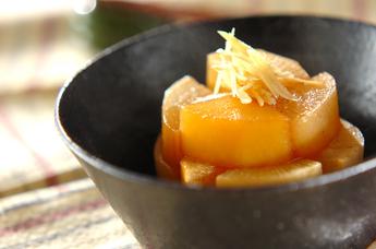 やわらかくて美味しい!心も体もホッと落ち着く、大根の煮物レシピのサムネイル画像