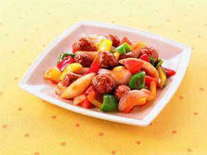 お弁当のおかず以外にも大活躍!市販のミートボールの活用レシピ5選のサムネイル画像