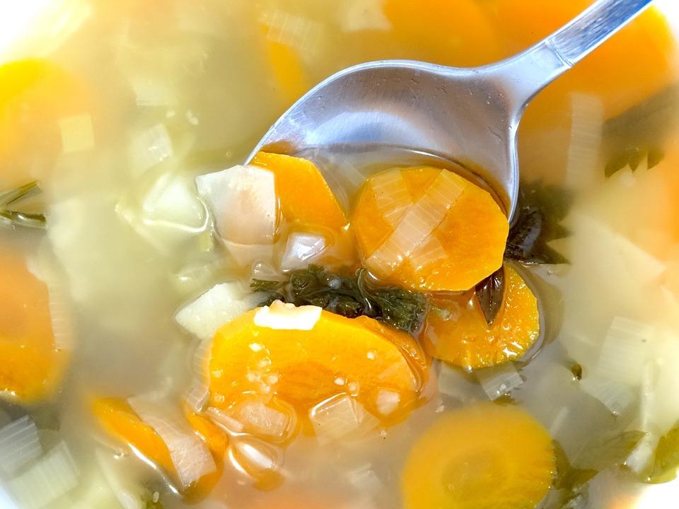 野菜をまるごといただきます!栄養たっぷり野菜スープレシピ5選のサムネイル画像