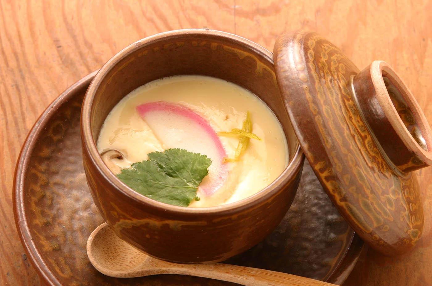 バリエーションいろいろ!意外と簡単な茶碗蒸しの作り方5選のサムネイル画像