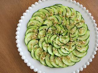 旬の野菜をたくさん食べよう!ズッキーニの簡単レシピをご紹介のサムネイル画像