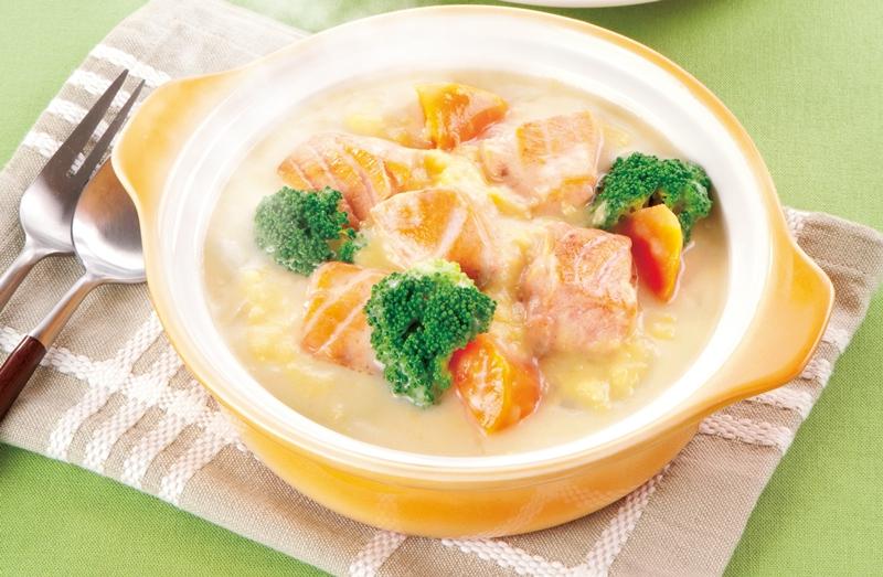 寒い日に嬉しい!野菜をたっぷり摂れるシチューレシピまとめのサムネイル画像