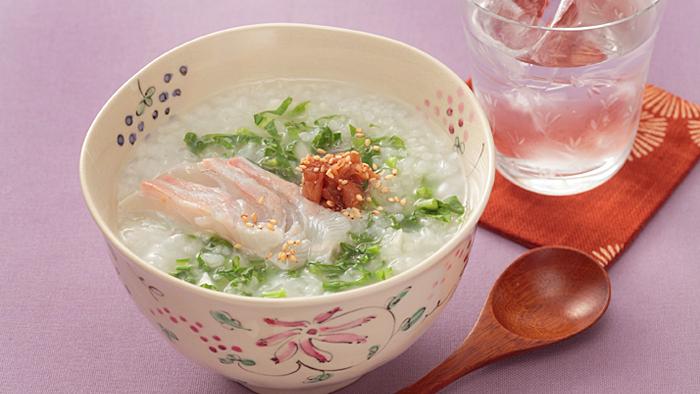 疲れた胃腸を休めましょう。体に優しい七草粥の幸せレシピ集のサムネイル画像