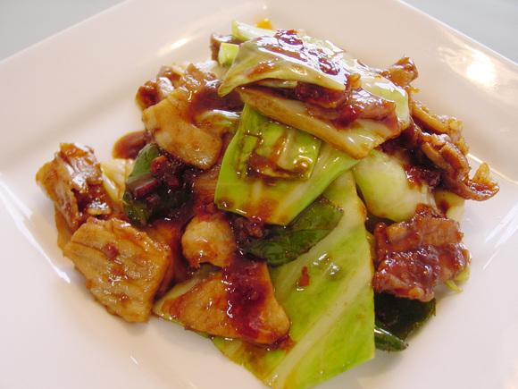 濃いめのタレがごはんに合う!こっくり美味しい回鍋肉レシピ5選のサムネイル画像