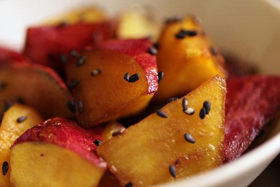 さつまいもの定番料理「大学いも」失敗しない絶品レシピを大公開!のサムネイル画像