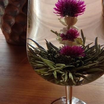 ガラスのティーポットでうっとり!工芸茶の飲み方とおすすめ茶葉のサムネイル画像