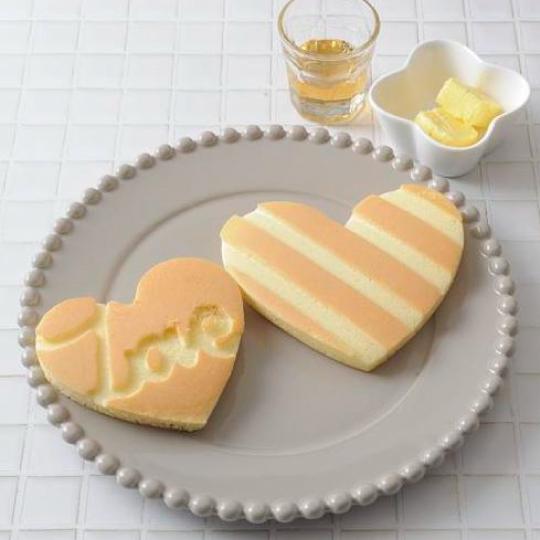 お花や猫の形まで!?子供も喜ぶ可愛いホットケーキの型の商品6選のサムネイル画像