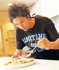 イケメン料理研究家「コウケンテツ」さんのご飯が進むおかずレシピのサムネイル画像