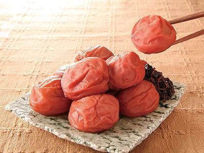 梅干しの食べ過ぎは身体に悪い?梅干しの成分や効能も大公開!のサムネイル画像