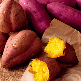 秋の人気者。さつまいもでつくる甘くておいしいお菓子の人気レシピ!のサムネイル画像