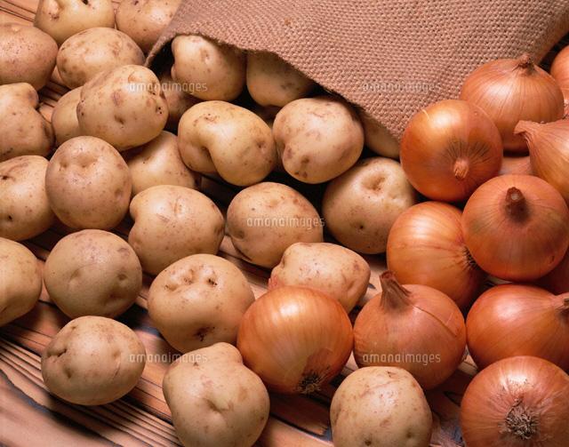 今晩のおかずはこれに決まり!玉ねぎとじゃがいものおすすめレシピのサムネイル画像