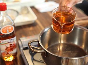 日本料理に欠かせない調味料、みりんの作り方を知っていますか?のサムネイル画像