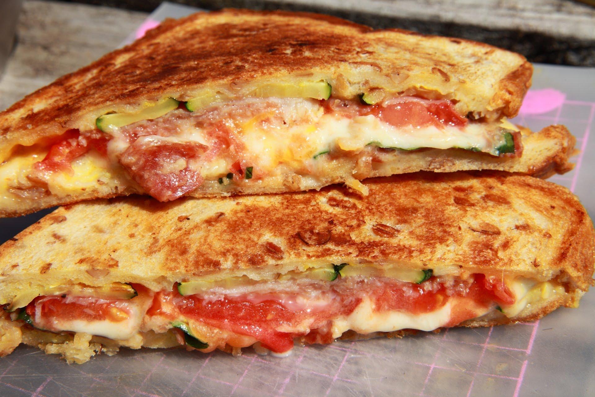 フライパンで簡単♡ホットサンドで朝食を楽しいバリエーションを!のサムネイル画像