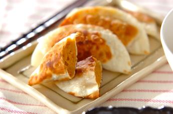 これってホントに餃子の皮?おやつにも使えるおすすめ餃子の皮レシピのサムネイル画像
