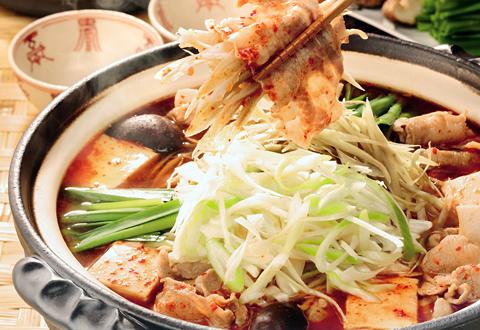 鍋が美味しい季節♪人気キムチ鍋特集!おすすめ具材はこれだ!のサムネイル画像