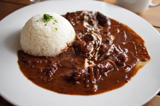 冬に食べたくなる!クリーミーなビーフストロガノフの人気レシピ5選のサムネイル画像