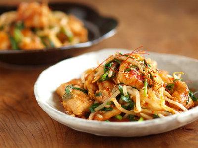 いろんな食べ方があるよ!キムチの人気レシピご紹介します!のサムネイル画像
