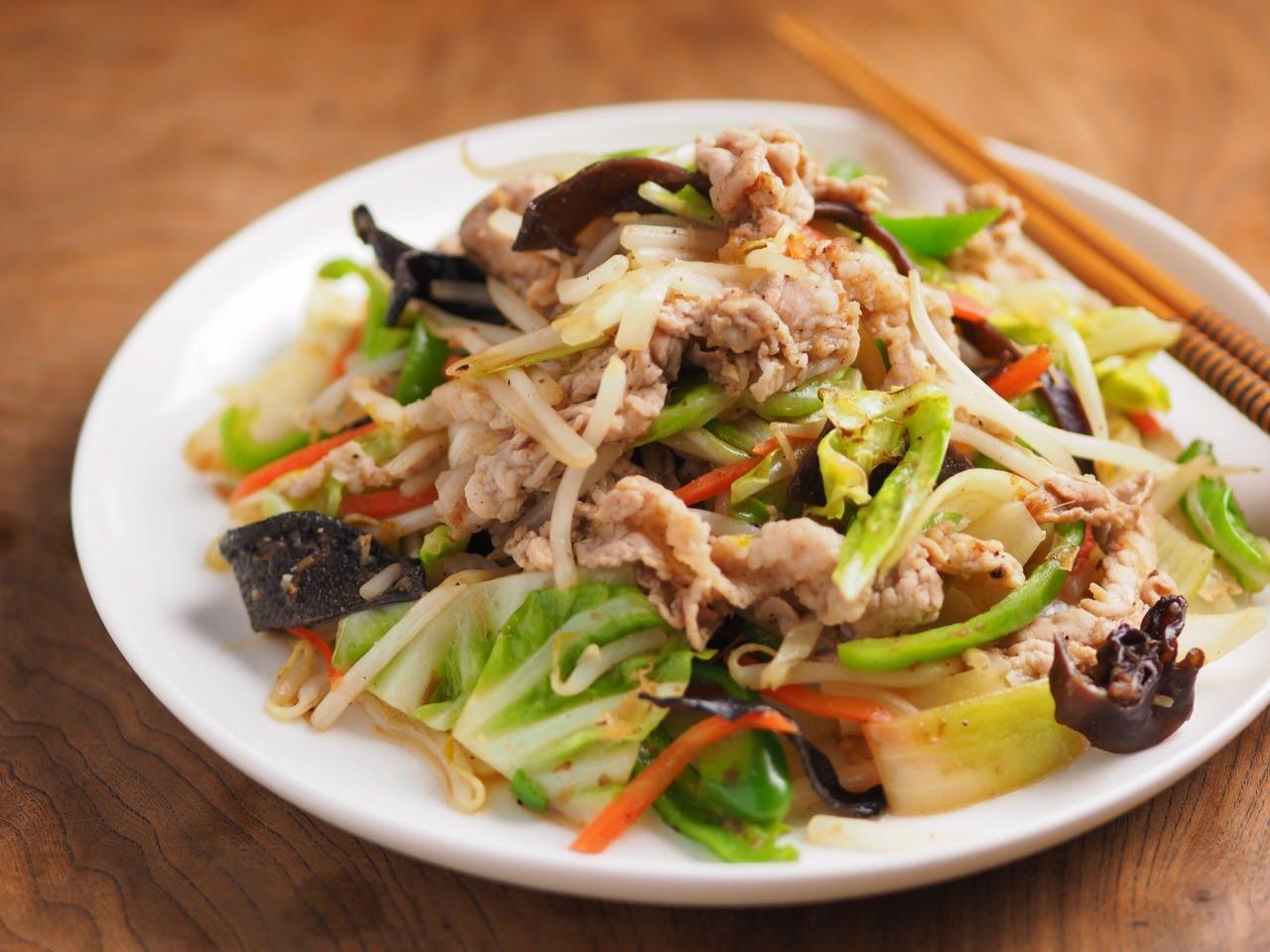肉の旨味で野菜が美味しい!パクパク食べられる肉野菜炒めのレシピのサムネイル画像