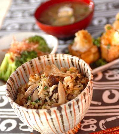 今日は炊き込みご飯を作ろう!炊き込みご飯とおすすめのおかずレシピのサムネイル画像