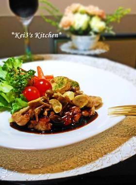 前菜からデザートまで!バルサミコ酢ソースを使ったレシピ5選のサムネイル画像