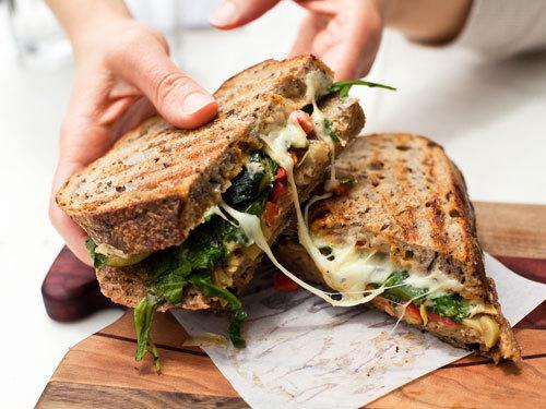 定番からちょっと変わったものまで!サンドイッチの具別レシピ5選のサムネイル画像