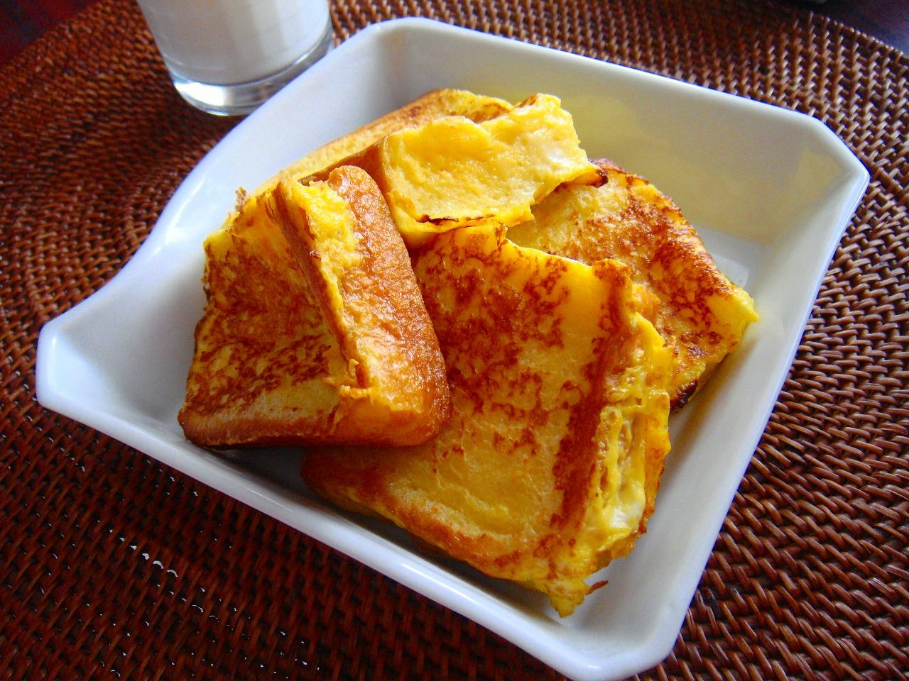 朝でもランチでもティータイムでも♪人気のフレンチトーストレシピ!のサムネイル画像